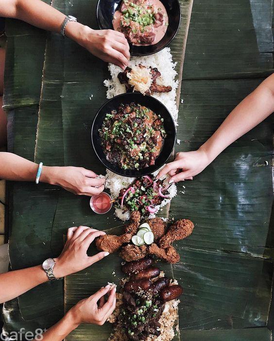 Ăn tiệc kiểu người Philippines: không muỗng, không đũa, không cả bát đĩa, thức ăn được bày trên lá chuối - Ảnh 4.