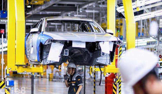Báo Trung Quốc: Việt Nam tăng vọt nhập ô tô ngoại, liệu thương hiệu Vinfast có thể cất cánh? - Ảnh 3.