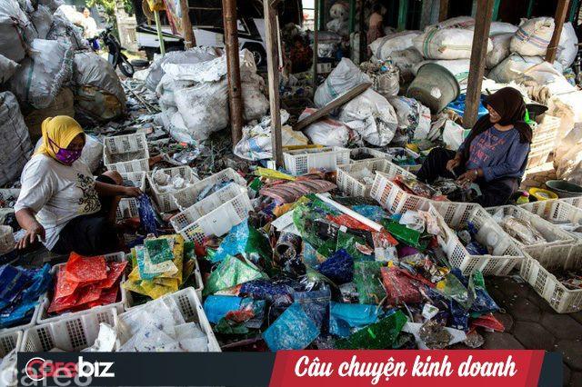 Tạo ra mức thu nhập không tưởng, ngôi làng nghèo coi rác là 'kho báu', mỗi tháng nhập 35.000 tấn - Ảnh 1.
