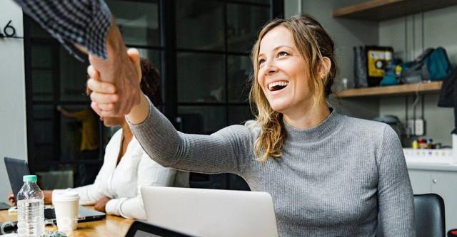 Ghét công việc của bạn? Hãy tự hỏi 7 câu hỏi này để tìm ra một lối đi mới trong sự nghiệp, nhiều tiền và hạnh phúc hơn - Ảnh 3.