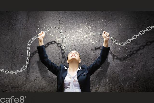 Người biết tận hưởng cuộc sống nhất chính là người đủ bản lĩnh để từ chối 2 ham muốn này, càng níu giữ càng bế tắc hơn - Ảnh 1.
