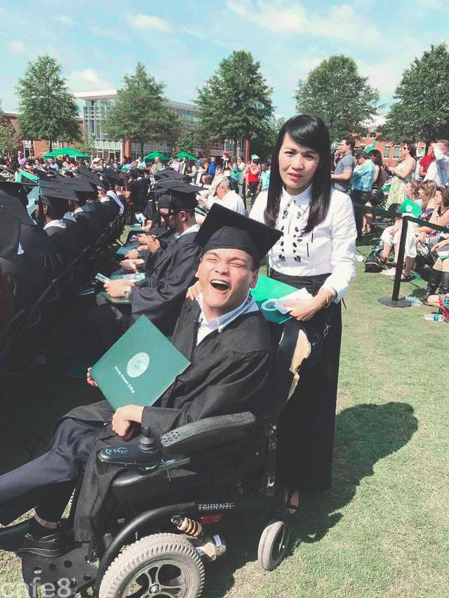 Sở hữu 2 bằng đại học, du học sinh Việt bại não tại Mỹ: Tôi chỉ là một người bình thường và sở hữu thêm 'khuyết tật' mà thôi - Ảnh 2.