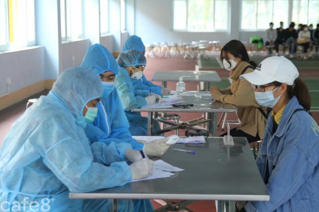 Khai báo y tế không trung thực có thể bị xử lý hình sự - Ảnh 1.